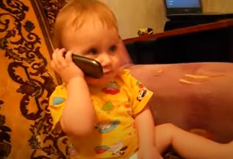 Դուստրը զանգել է հայրիկին ու նրանց մեջ շատ լուրջ զրույց է գնում. ավելի ծիծաղելի տեսանյութ դուք հաստատ տեսած չեք լինի